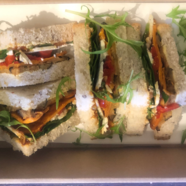 Triangle cut gourmet sandwich (individually packed)